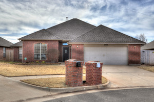 2704%20nw%20170th%20terrace,%20edmond,%20ok%2073012 1