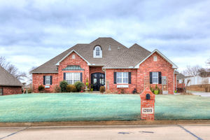 12819%20forest%20glen%20drive,%20choctaw,%20oklahoma%2073020 1