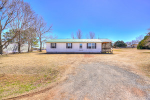 646%20southwest%2012th%20street,%20blanchard,%20oklahoma%2073010,%20usa 1