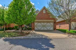 4617%20olde%20village%20circle,%20edmond,%20oklahoma%2073013 1
