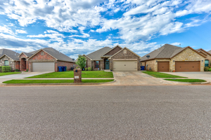9116%20northwest%20140th%20street,%20yukon,%20oklahoma%2073099,%20usa 1