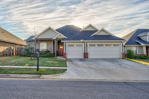 18720%20trailview%20way,%20edmond,%20oklahoma%2073012 2