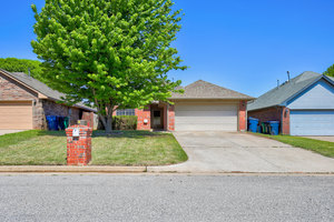 12277%20southwest%2012th%20street,%20yukon,%20oklahoma%2073099 2